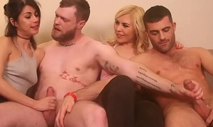 Dating Game Turns Bisexual far Pies
